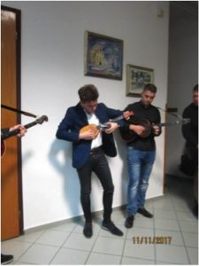 """Mladi koljnofski virtuoz na braću kojega bi poželio kao člana i profesionalni kulturno-umjetnički ansambl """"Lado"""" u Zagrebu"""